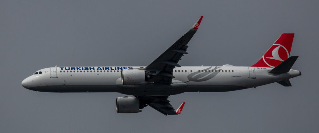 Turkish Airlines Airbus A321-271NX TC-LSO